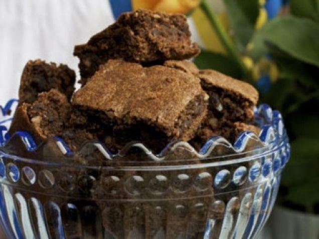 Mjuka och lite kladdiga ska brownies vara, därför får de inte gräddas för länge.