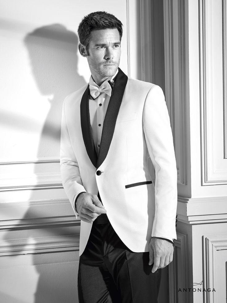 Colección de la firma Antonaga especializada en trajes de ceremonia para bodas, disponible en www.sastreriacampfaso.es