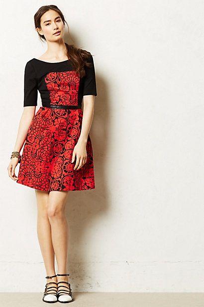 Carmesi Dress