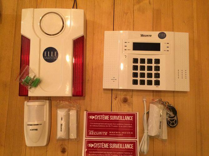 Tike Securité a lancé un défi à la rédaction : installer un système d'alarme en 30 minutes....