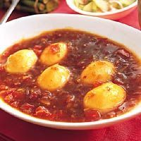 Recept - Telor boemboe bali - gekookte eieren in chilisaus - Allerhande