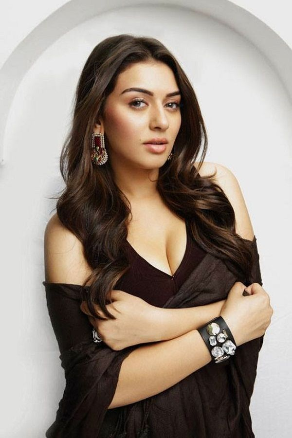 Hansika Motwani Hot Dating Bra Size Waist Size Movies