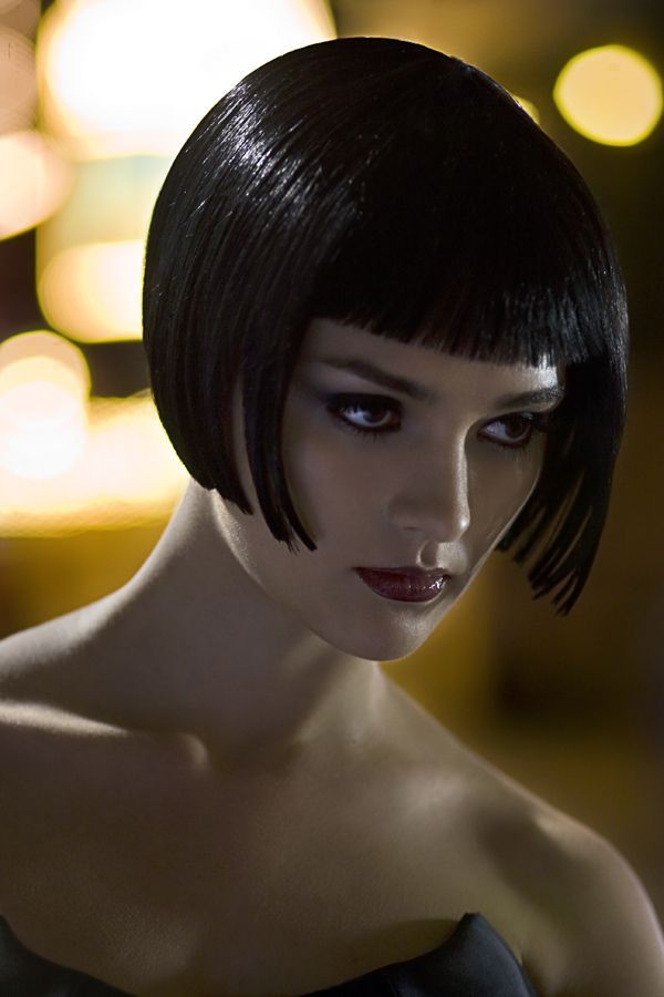 Louise Brooks bob. Sensational!