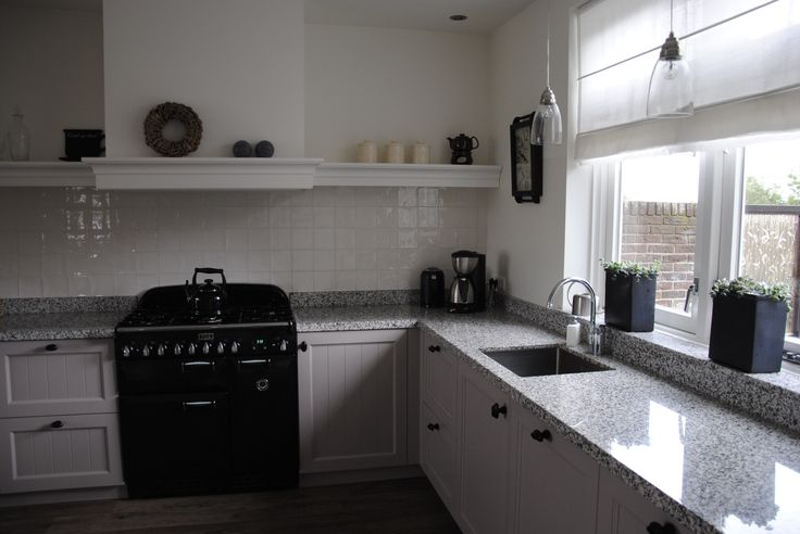 Falcon fornuis in handgemaakte keuken.