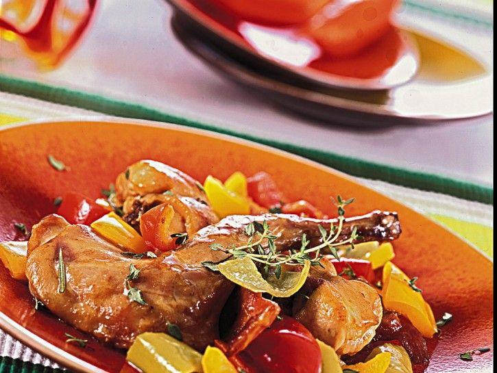 Spezzatino+di+coniglio+ai+peperoni+aromatizzato+vino+rosso+speziato