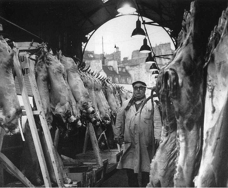 Robert Doisneau, Les Halles, Paris, circa 1967 © Atelier Robert Doisneau