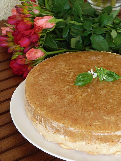 Nepečený jablečný dort s karamelovým krémem
