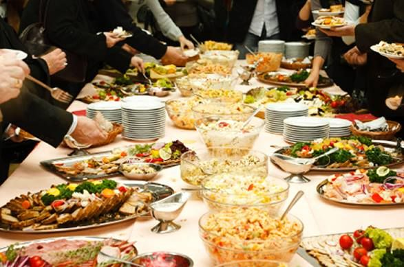 We offer complete full line food services and catering for corporate events, church organizations and private schools.