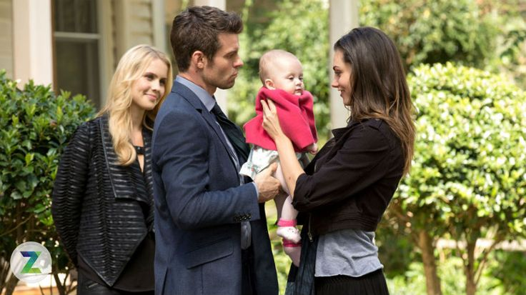 It's time for a family reunion on 'The Originals': in the show's fall finale, Klaus and Hayley will reunite with their daughter, Hope, for the first time since she was born -- and Zap2it has the exclusive first photos of their happy family moment.