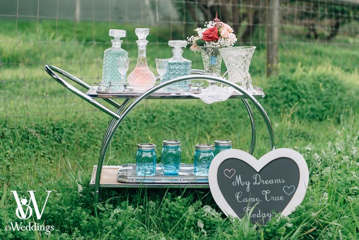 Wedding Styled Shoot Styling: oWeddings Hire: Turtle & the Pelican/Karrie & Pearl Photographer: Earthbound Images Inspiration: Bar on wheels