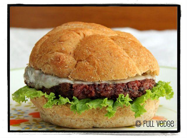 Végé-burger saignant | Full vedge - Recettes végétariennes et gourmandes!