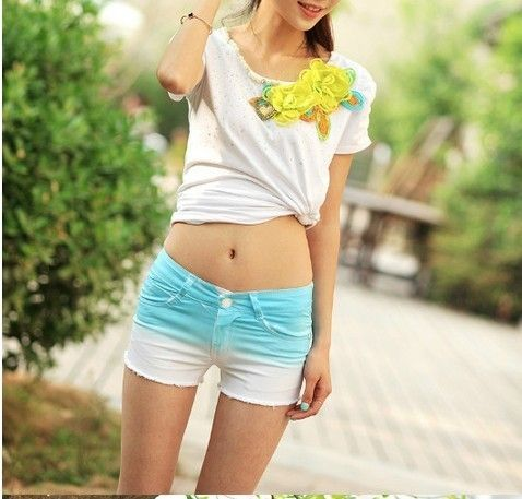 Gradients of pure cotton jean shorts hot pants in the summer