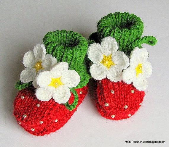 Knit Baby booties Red Strawberry baby girls shoes by MiaPiccina