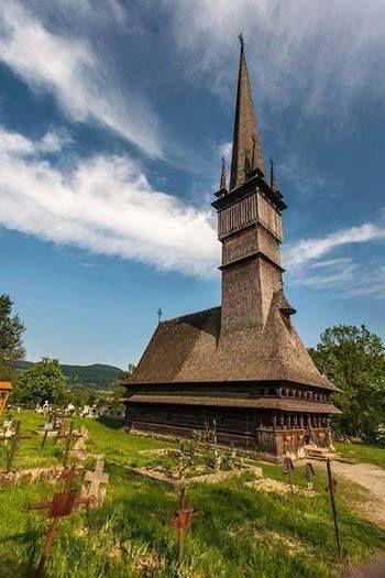 Biserica de lemn din Șurdești una din cele mai înalte construcții sacrale de lemn din Europa și din lume #Romania