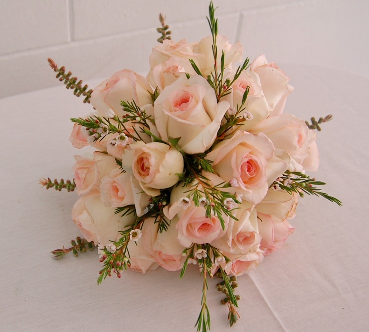 1000 images about arreglos florales on pinterest floral for Arreglos de mesa