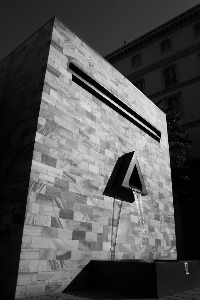 Monumento a Sandro Pertini, Milano | Aldo Rossi | Photo : Luca Scarpa