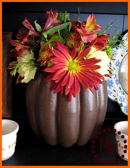 DIY pumpkin vase from a faux pumpkin