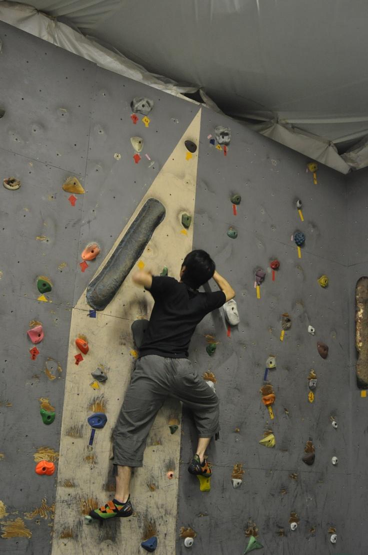 Climbing first in climbing gym Wall Street.  クライミングジム・ウォールストリートで初クライミング。