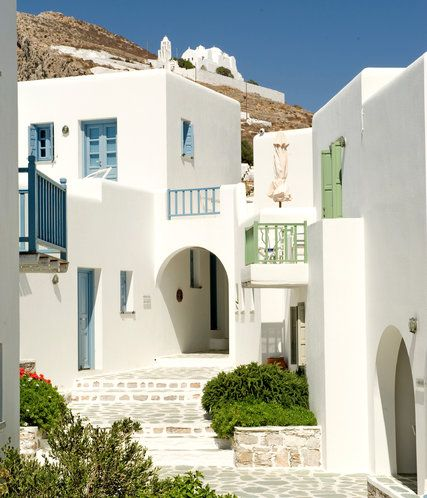 The Most Charmingly 'Greek' of All the Cyclades - The New York Times