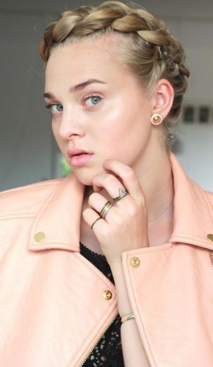 Stling for the danish jewelry brand HVISK For more info check:  http://hvi.sk/r/4ufW  Photo and modeling by: Laura Augustinus, stinusit.dk  #hvisk #hviskstyling #hviskstylist