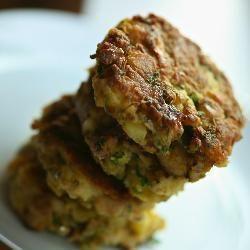 Kotleciki rybne z ziemniakami @ http://allrecipes.pl