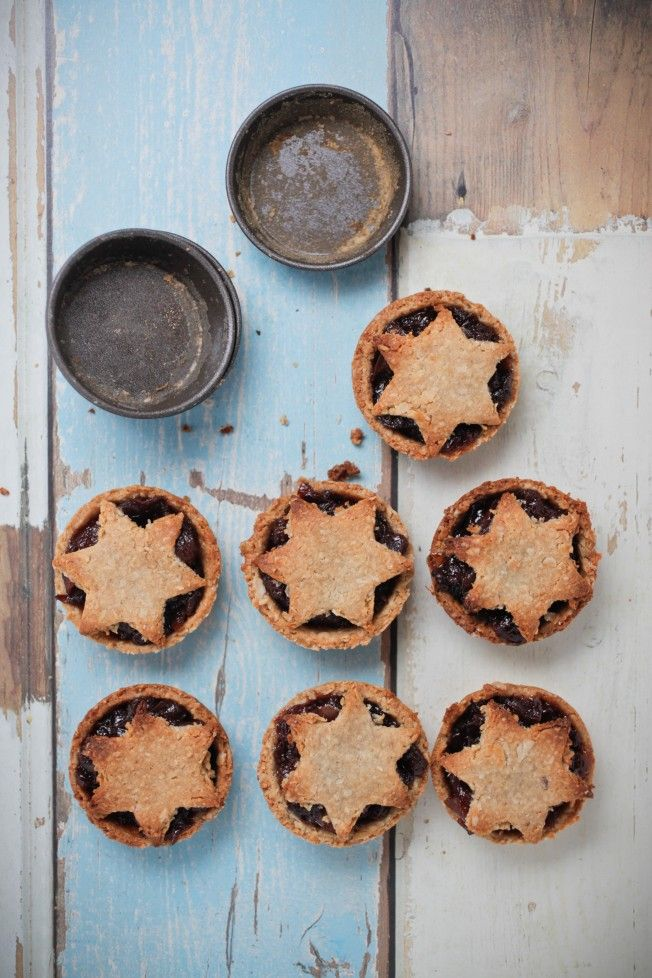 Fruit Mince Pies, with oatmeal, almond or spelt crust pastry. -Going to make these.