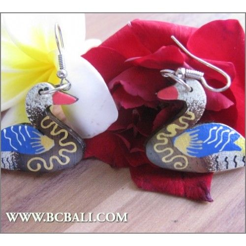 Bali Wood Earrings Duck Carving Painting - fashion earrings duck wood carving painting, handmade wood earring carving coloring, wholesalers jewelllerry fashion from bali indonesia, shop online accessories from bali indonesia, indonesia manufacture jewelllerry fashion from bali