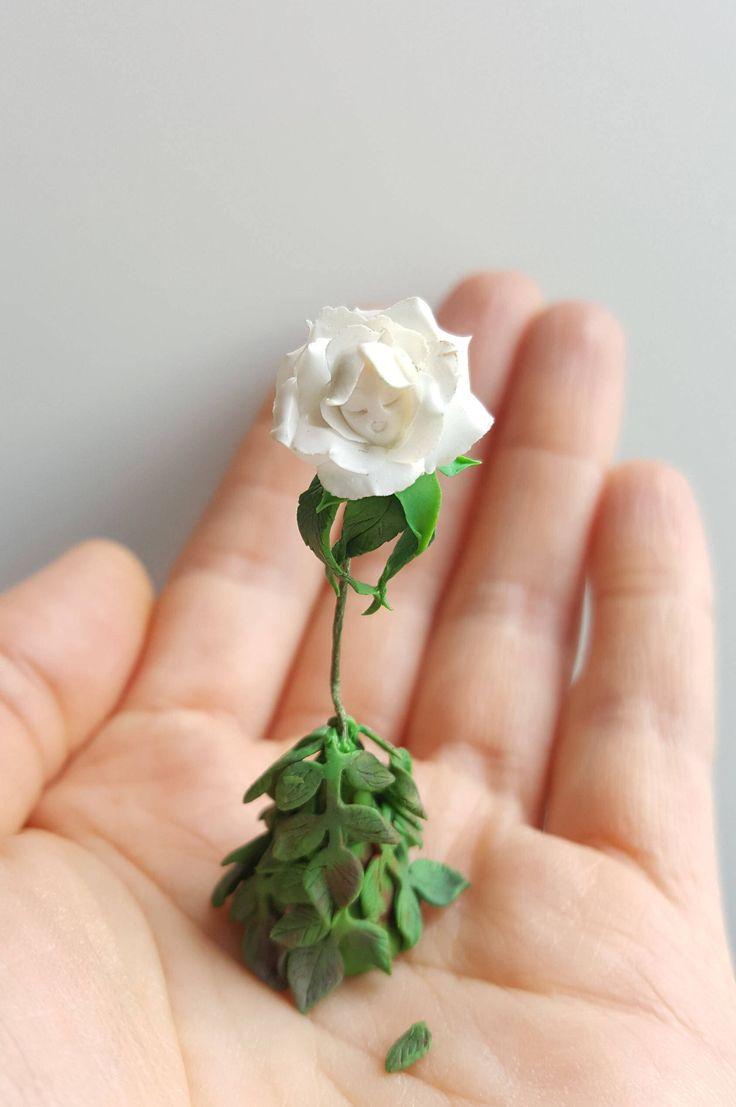 Alice in wonderland singing white rose by MINIATURESBYNSY on Etsy https://www.etsy.com/listing/471019902/alice-in-wonderland-singing-white-rose