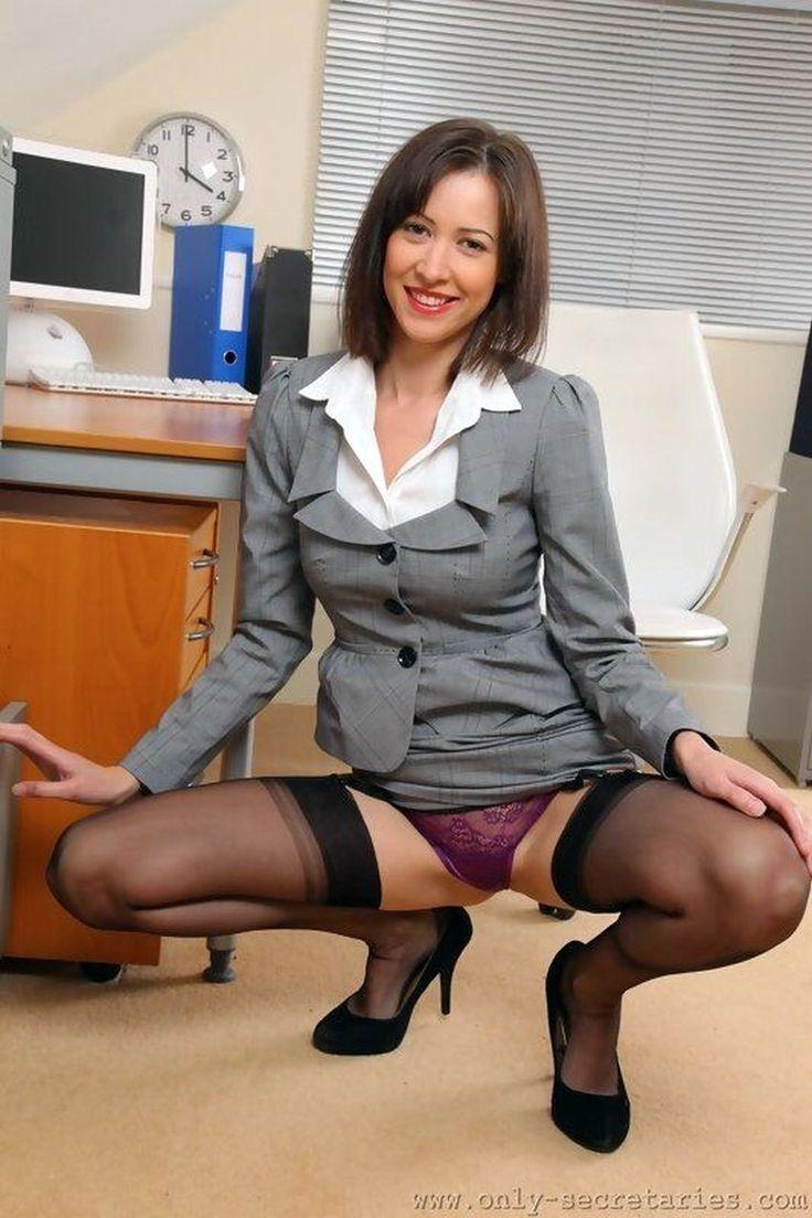 Glimpse Flashing Peeking Voyeur Upskirt Under Skirt
