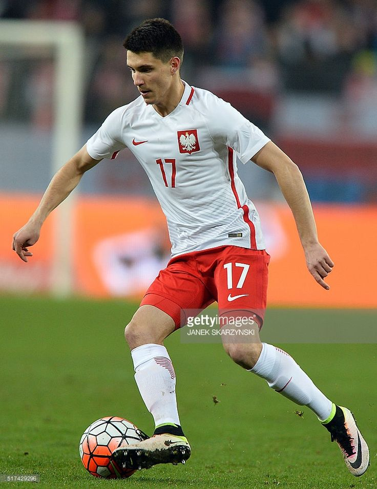 polands-bartosz-kapustka-plays-the-ball-during-the-international-picture-id517429296 (789×1024)