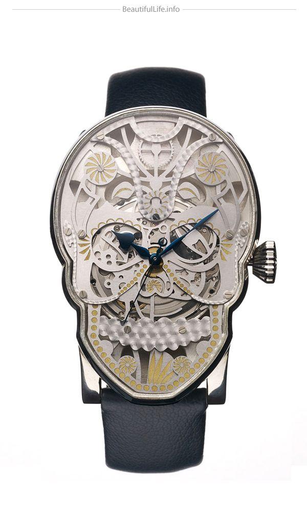 "Inusuales relojes ""Memento Mori"" por Fiona Krüger"