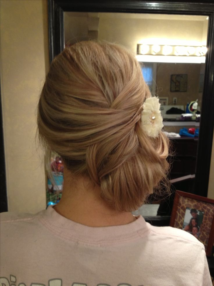 Loose side bun wedding upd-stylist Patti Knick