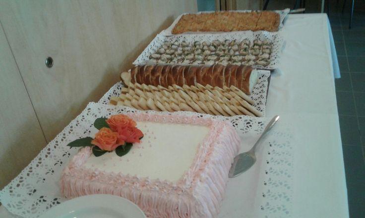 Tässä synttäritarjoilut 90 vuotiaalle 10.6.2017 Juvakodin keittiössä!