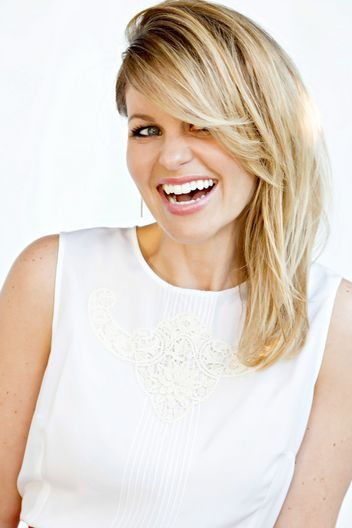 Candace cameron bure answers every fuller house question for Beauty full house