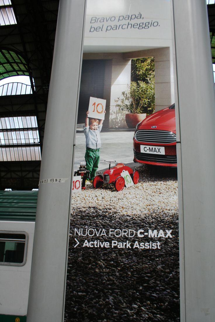 Bravo papa! De rode pijl gespot in Italië!