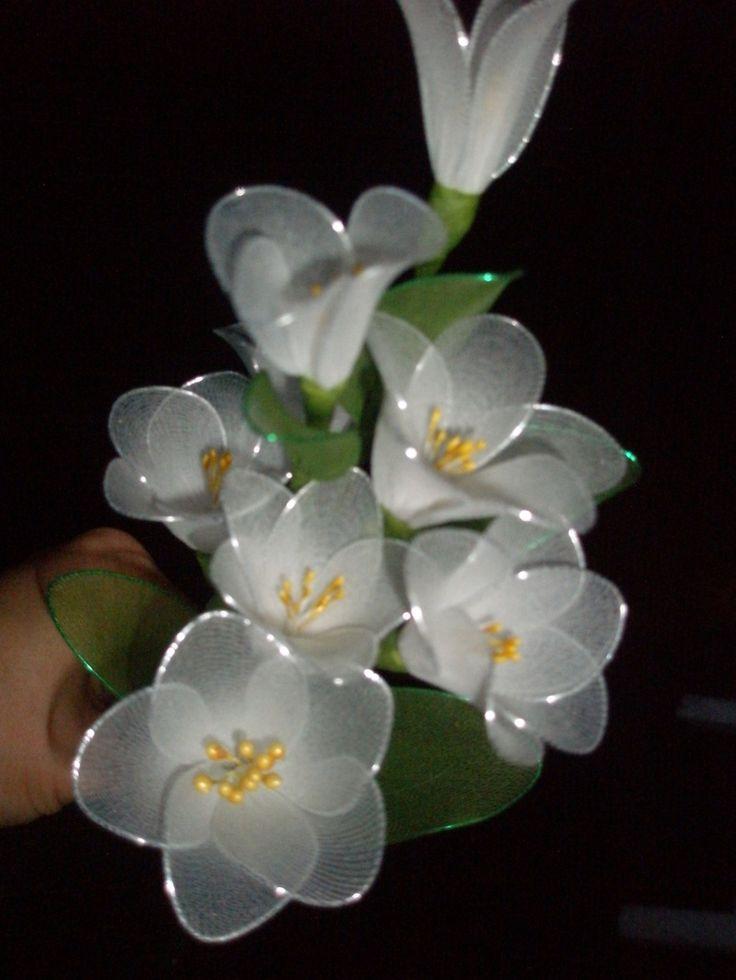 Google Image Result for http://lovelyhandmadething.webs.com/photos/Nylon-flowers/P8190685.JPG