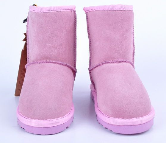 UGG Classic Short Kids Boot 5281 Pink  http://uggbootshub.com/classic-ugg-boots-ugg-classic-short-kids-5281-c-58_64.html