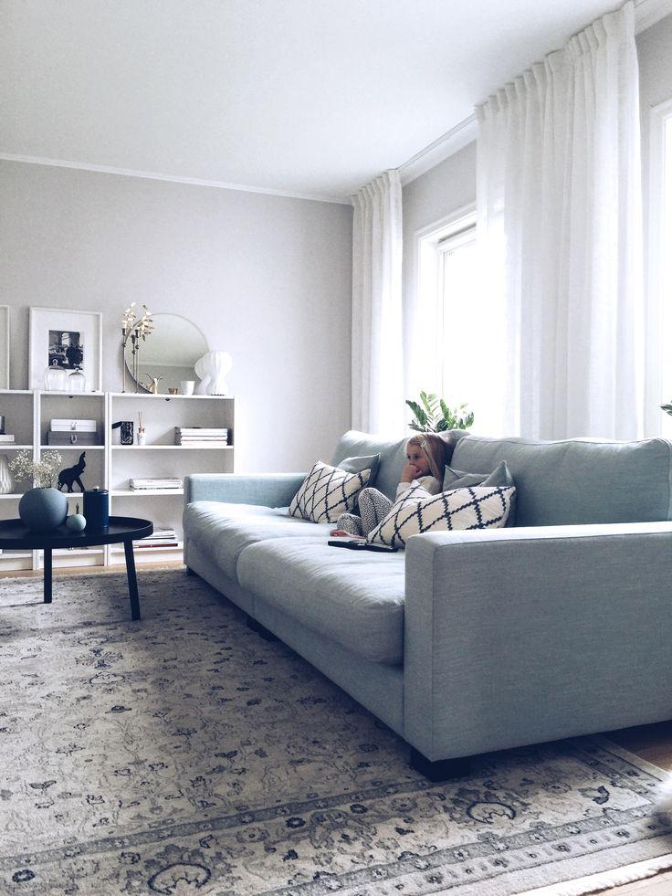 Turkos Valen XL soffa. Djup soffa, låg soffa, linne, möbler, inredning, vardagsrum. http://sweef.se/soffor/149-valen-xl-soffa-i-linne.html