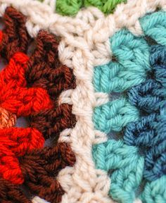Joining Granny Hexagons With The Join As You Go Method Crochet Tutorial - (petalstopicots)