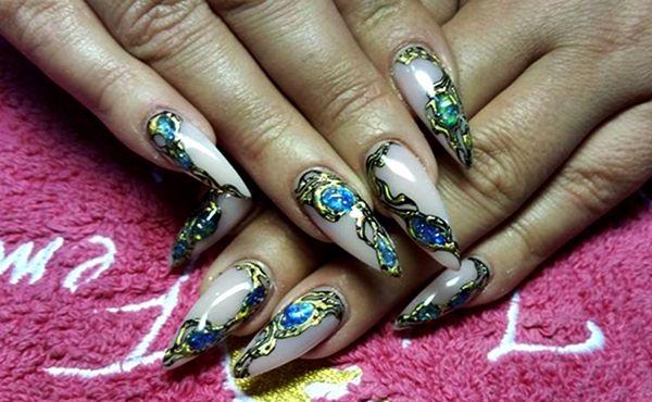 7 Creative Stiletto Nail Designs