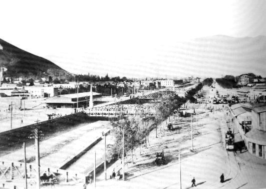 Puentes sobre el Rio Mapocho, principios de siglo.