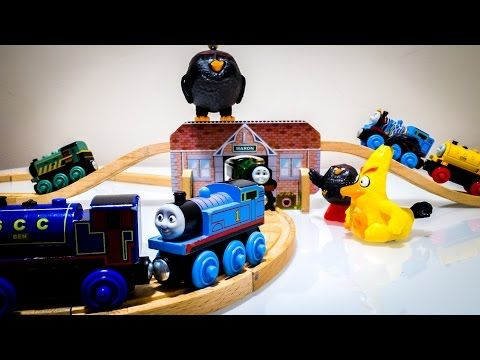Thomas and Friends Toy Trains Get Attakced by Angry Birdsトーマス 怒っている鳥 - YouTube