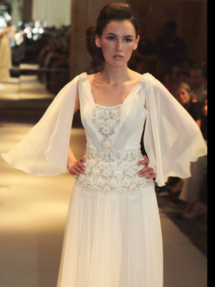 #Gorgeous silk chiffon gown perfect for any occasion #wedding #eveninggown #couture #mariachiodo