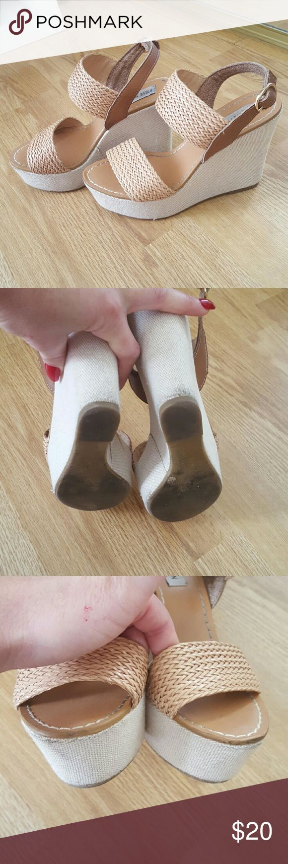 Steve Madden nude platform wedge Tri tone neutral sandal, slight marks on platform (see picture), I haven't tried to clean them. Probably worn 4 times, euc Steve Madden Shoes Wedges