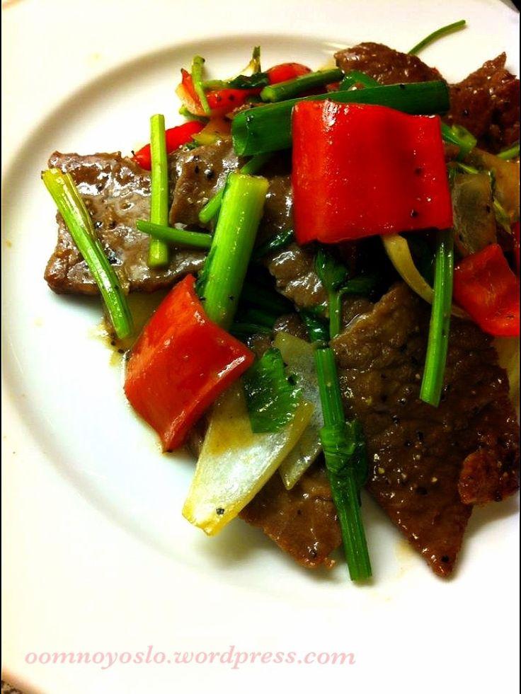"""Thaimat: """"Stir-fry"""" oksekjøtt med svartpepper"""