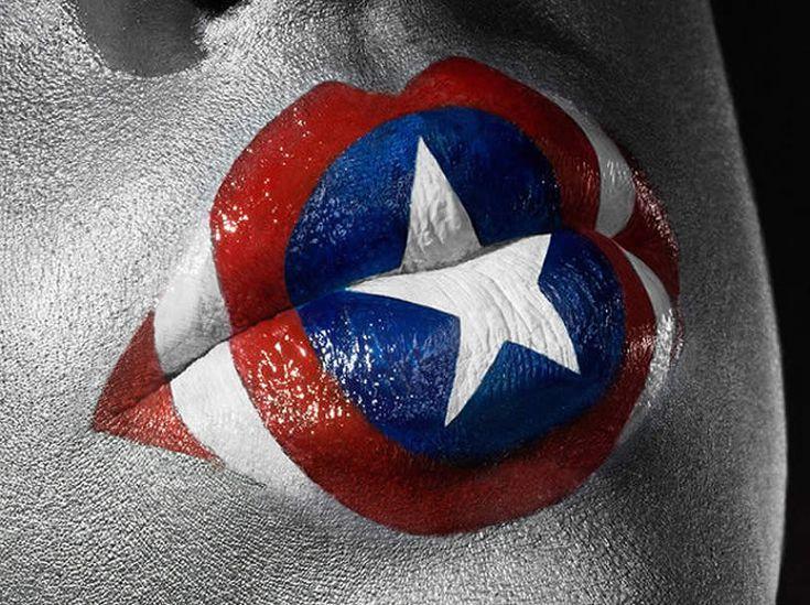 Kissed by a superhero par Jonathan Knowles