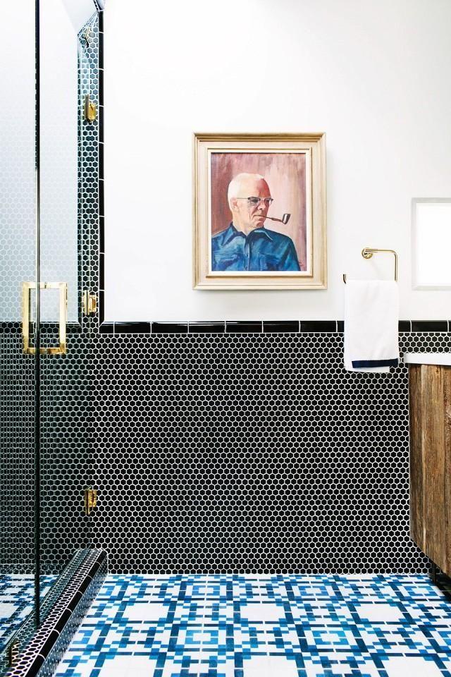 Art in the bathroom is classy as shit. Learn more about bathroom etiquette at DoodyFreeGirl.com #colonics #vegan #probiotics