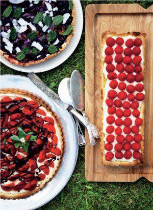 Brug havens bærhøst i hele tre forskellige frugttærter - eller vælg din favorit.