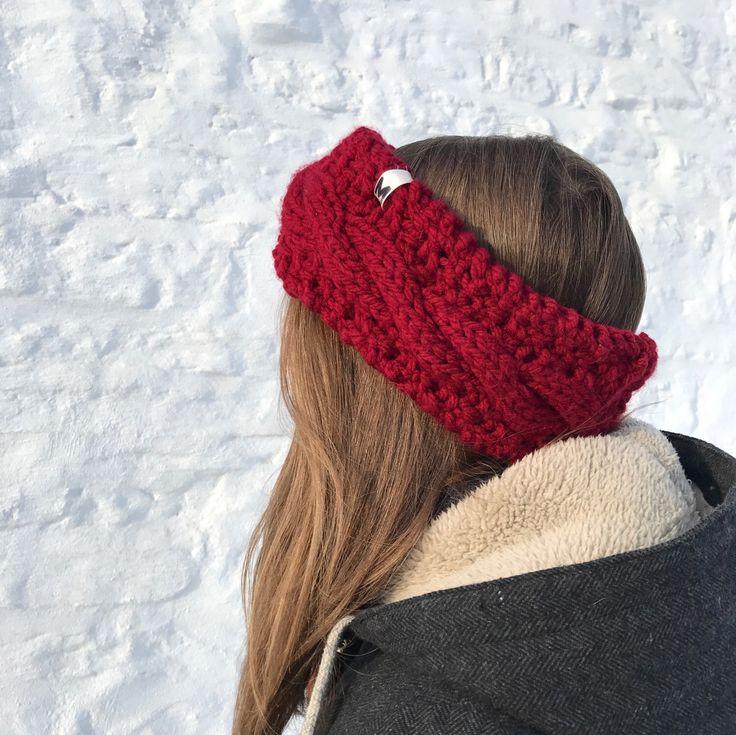 Vin - Bandeau tressé en acrylique- Adolescent/Adulte par maudeamelie sur Etsy https://www.etsy.com/ca-fr/listing/496784712/vin-bandeau-tresse-en-acrylique  Headband for winter :) 100% acrylic (no wool)