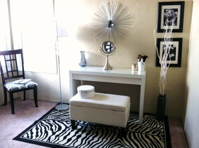 makeup dressing table my new makeup room feat ikea malm dressing table luuux vanities. Black Bedroom Furniture Sets. Home Design Ideas
